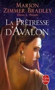 Les Dames du Lac, tome 4 : La Prêtresse d'Avalon par Zimmer Bradley