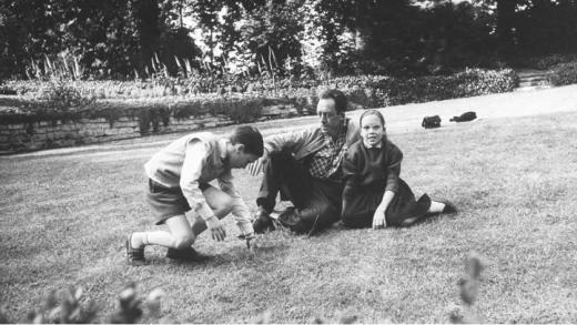 Albert Camus Auteur De L étranger Babelio