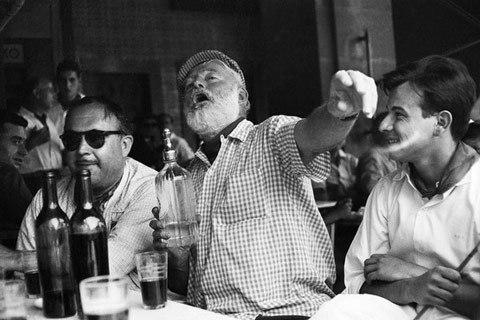 Photos de Ernest Hemingway - Babelio.com