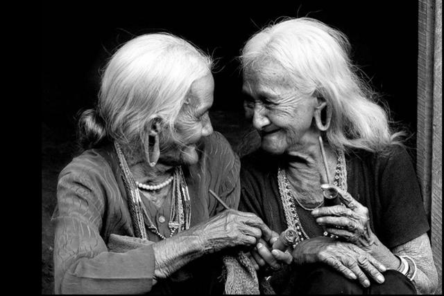 Ecoute Moi Vieillir Ou Honorons Nos Grands Seniors